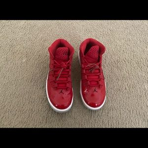 Red Jordan's Aura Max. Men's size 9. Gently used.